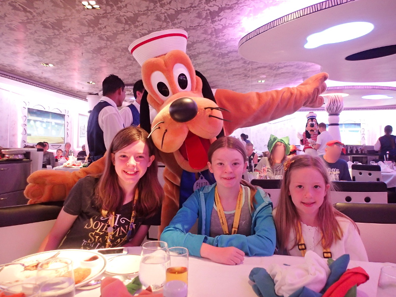 Disney Wonder character breakfast